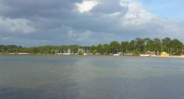 location mobil-home proche lac biscarrosse